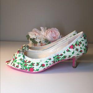 Betsey Johnson kitten heels. Pink 🌹 print NWOT!